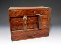誠屋の買取り品例家具, 箪笥, 民芸品のイメージ画像