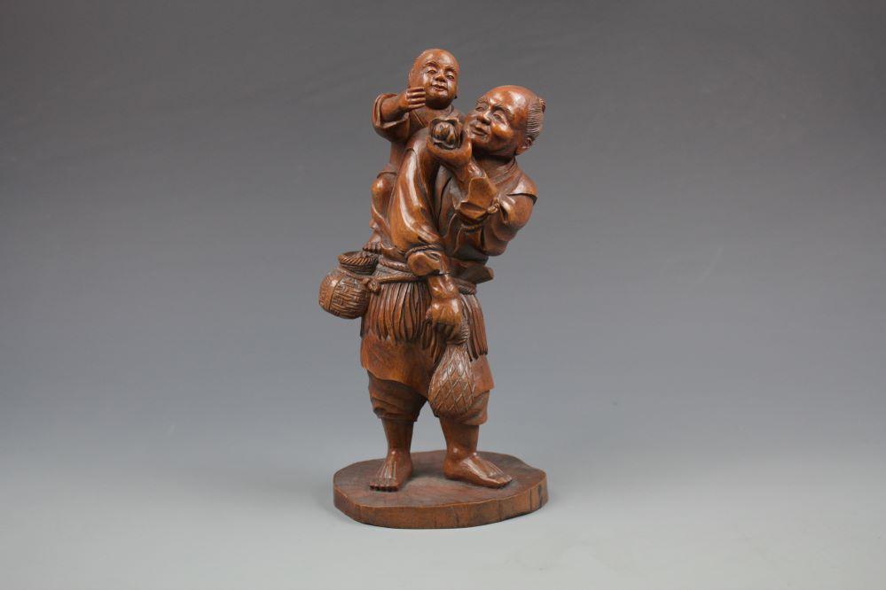 木彫農夫親子像の画像1