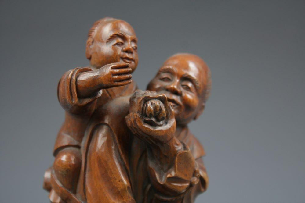 木彫農夫親子像の画像2