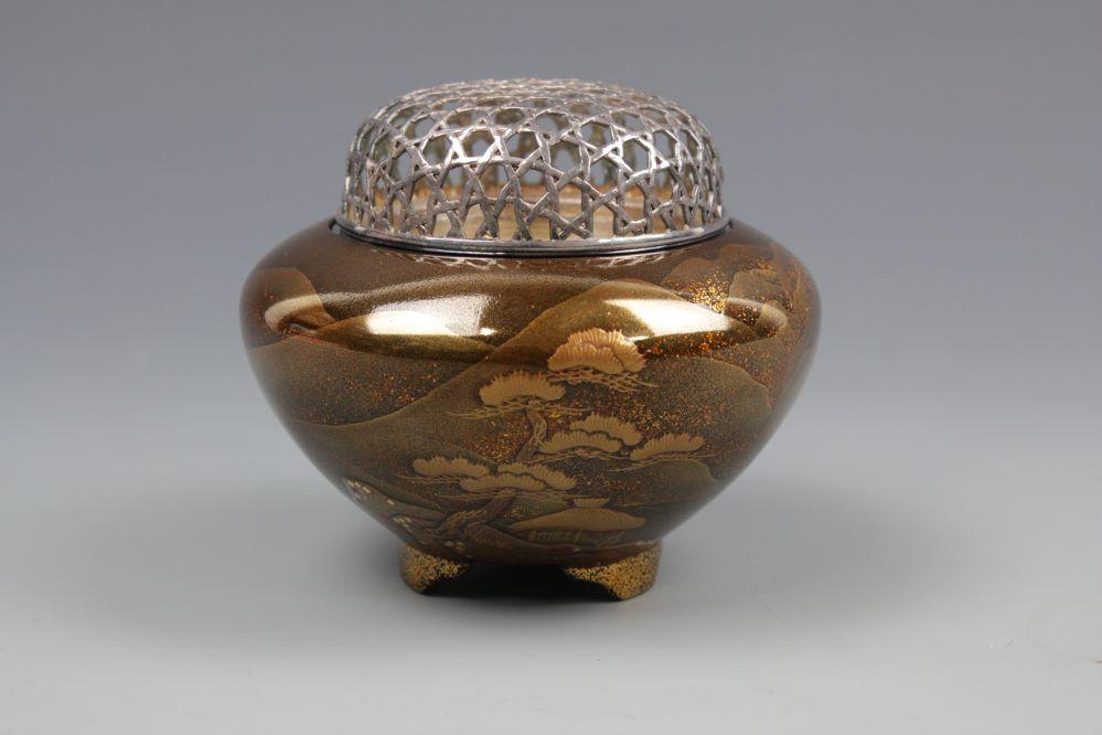 山水蒔絵純銀火屋香炉の画像1